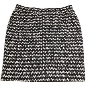 Ann Taylor Loft Black & White Stretch Skirt Sz SP